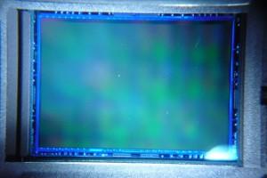 czyszczenie matrycy pentax k200d sensor przed - zdjęcie matrycy CCD w serwisie Suel